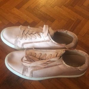 Kenneth Cole Reaction rose pink sneakers